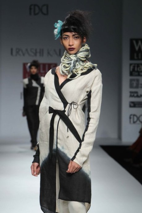 Urvashi Kaur FW11 Black and White Tunic on Exshoesme.com