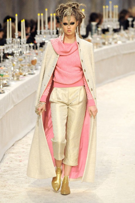 Chanel Métiers d'Art PF12 Paris-Bombay Collection Shirt, Belt and Pink and Ivory Suit on Exshoesme.com