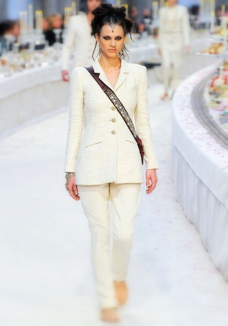Chanel Métiers d'Art PF12 Paris-Bombay Collection White Jodhpur Suit with Jewelled Sash on Exshoemse.com