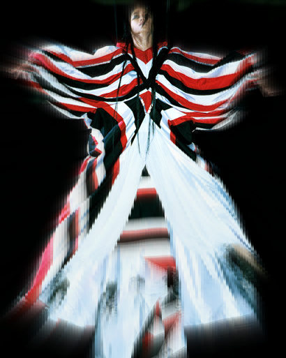 Alexander McQueen Spring 2000 Red White and Black Cape on Exshoesme.com