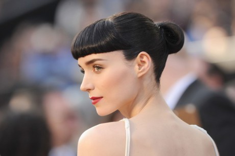Rooney Mara at the 2012 Oscars on Exshoesme.com