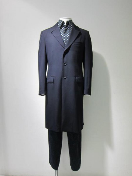 Yohji Yamamoto Homme Pre-Fall 2012 Long Navy Jacket and Polka Dot Shirt on Exshoesme.com
