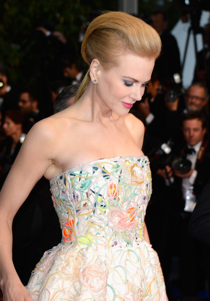 1 Nicole Kidman's hair at the Cannes 2013 Opening Ceremony on Exshoesme.com. Photo Pascal Le Segretain