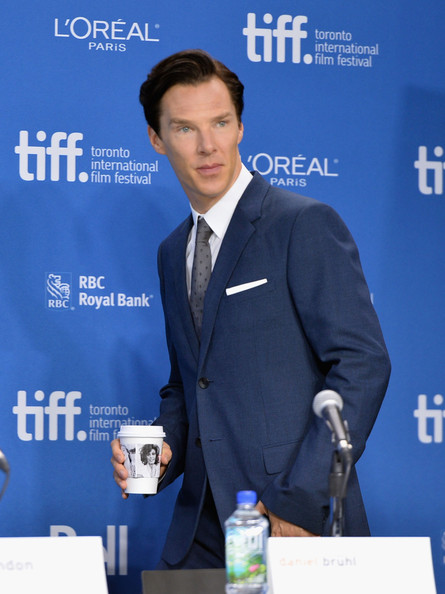 Benedict Cumberbatch at the press conference for The Fifth Estate at the 2013 Toronto International Film Festival #TIFF13 on Exshoesme.com Alberto E. Rodriguez photo