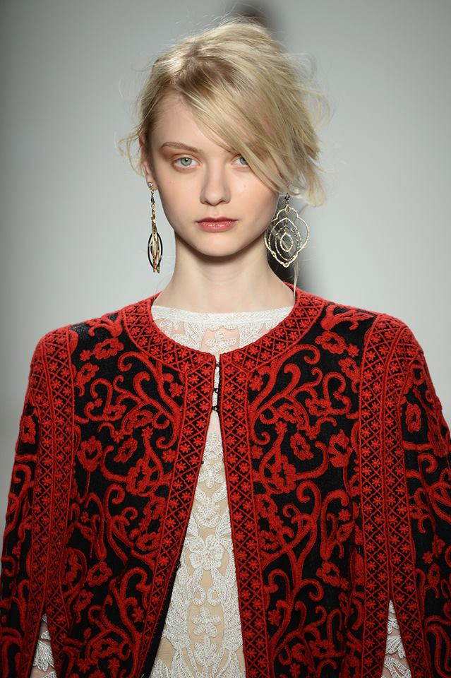 Tadashi Shoji FW14 black and red embroidered cape detail on Exshoesme.com