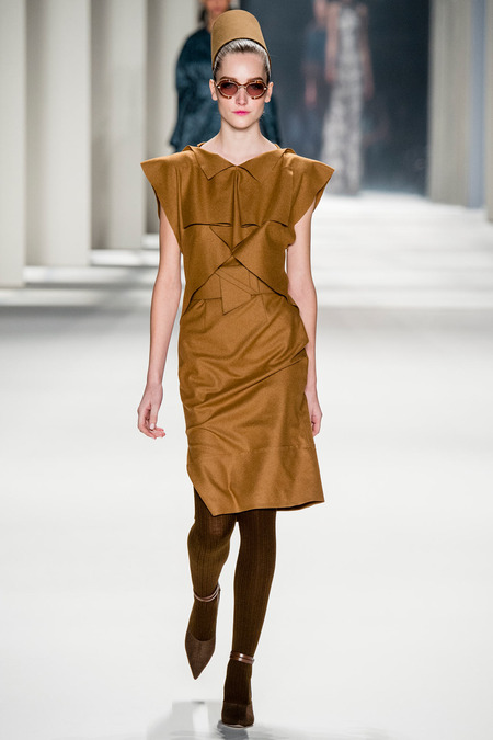 Carolina Herrera FW14 origami dress on Exshoesme.com