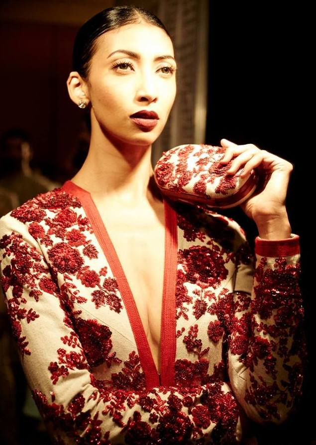 Sabyasachi Mukherjee red and white embroidered Couture 2014 gown detail on Exshoesme.com