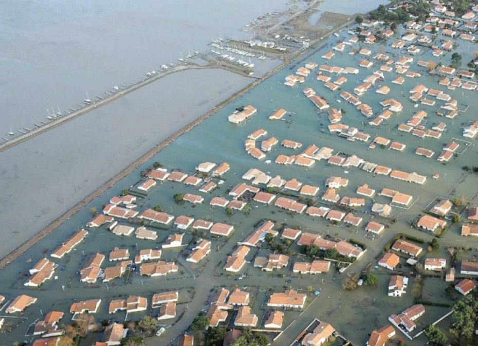 De overstroomde nieuw aangelegde woonwijken in Sables-d'Olonne (www.lejournaldessables.fr)