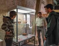 Jan Tilleman houdt al zijn vondsten bij en stelt ze ten toon in de schuur van de hoeve © Dieter Jehs