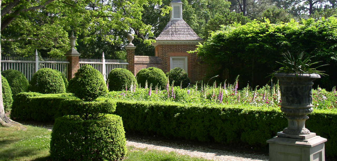 Landscape Design for Antebellum Homes | Mississippi State ... on Home Backyard Ideas  id=86439