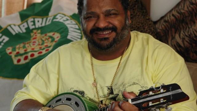 Arlindo Cruz é um dos autores do samba-enredo da escola este ano