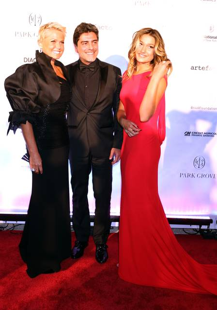 Xuxa, Junno e Sasha em Miami.
