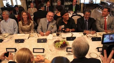 A presidente do Flamengo, Patrícia Amorim, foi à ABL acompanhada de beneméritos do clube
