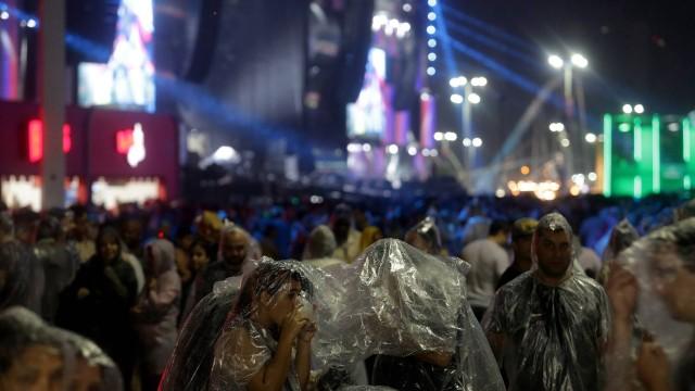 Chuva caiu durante último dia do Rock in Rio 27/09/2015