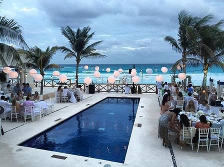 Festa aconteceu ao lado da piscina do clube