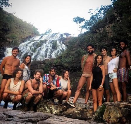 Destri, Alejandro, Carol, Gabriel Leone, Carla Salle e Ícaro Silva: viagem entre amigos