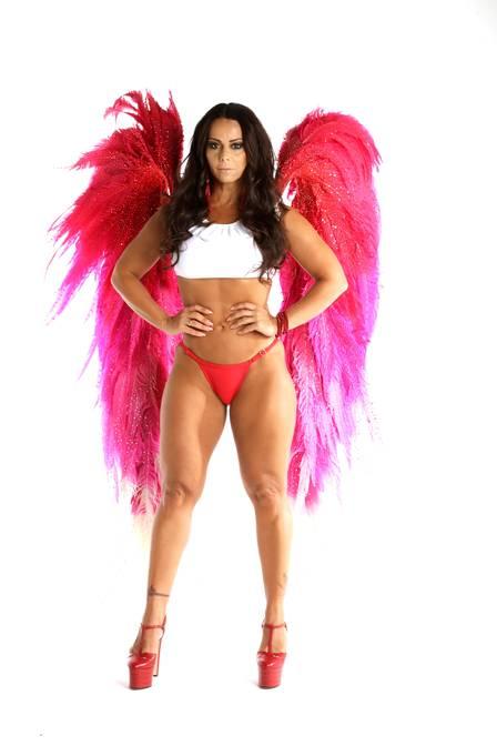 Viviane Araujo se entristece só de pensar que um dia vai deixar de ser rainha de bateria