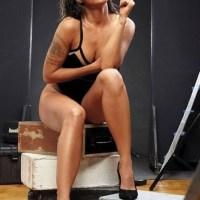 Alinne Rosa faz ensaio sensual para a 'Playboy'