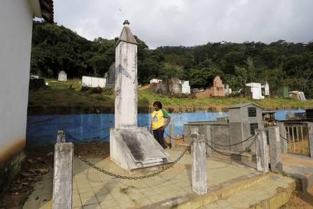 infochpdpict000068020795 - Cemitério na Baixada Fluminense não sabe onde está sepultado corpo de Garrincha