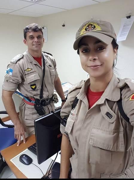 Flávia com o noivo, o capitão bombeiro Fernando Ferreira