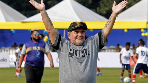 Maradona se colocou acima de Messi e Cristiano Ronaldo