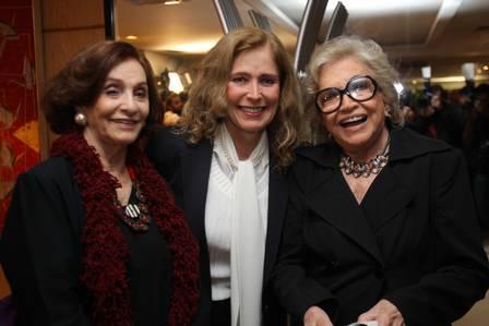 Aracy Cardoso com as amigas Priscila Camargo e Natália Timberg