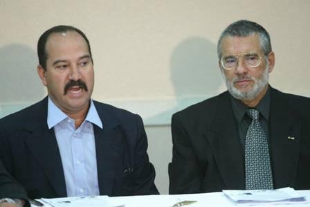 Pastor Everaldo, atual presidente nacional do PSC, ao lado de Vitor Nósseis durante convenção do partido em 2006