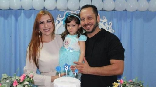 Thiago desferiu 12 facadas em Mariana e duas na filha
