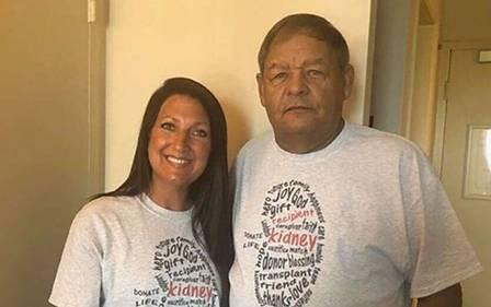 Jocelynn e Terrell após o transplante de rim