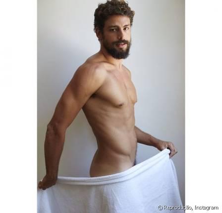 Cauã agitou a web no ano passado, ao posar de toalha