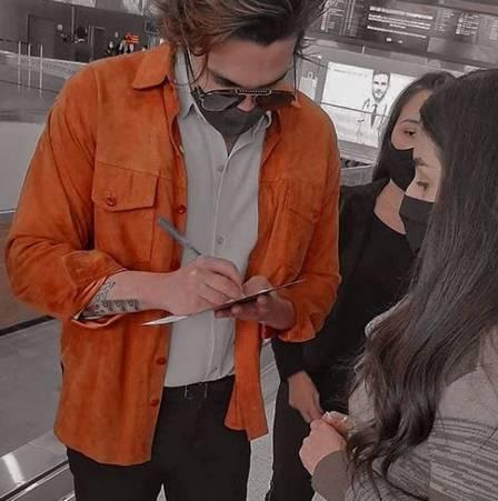 Luan Santana no aeroporto em São paulo: sem Jade