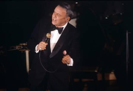 O cantor Frank Sinatra tem documentário no Globoplay