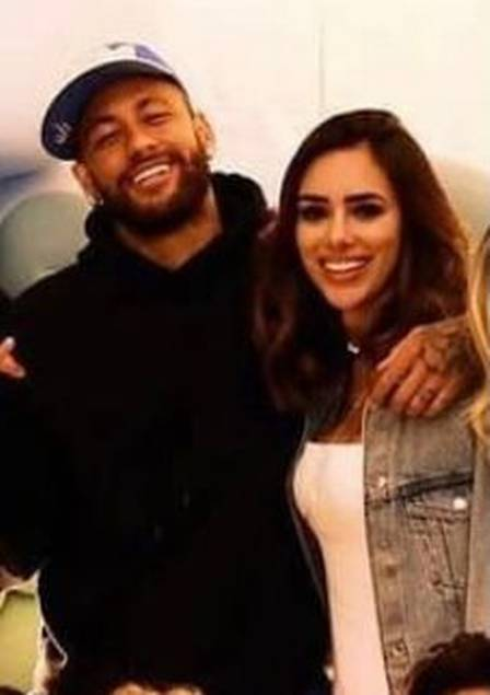 Neymar and Bruna Biancardi pose together for the first time in Paris