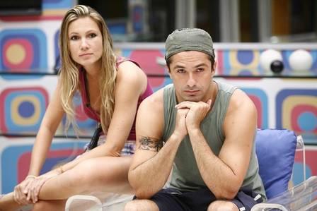 Josiane Oliveira teve um relacionamento com Newton no 'BBB 9'
