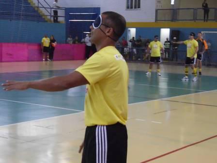 O time de Romário perdeu por 3 a 2