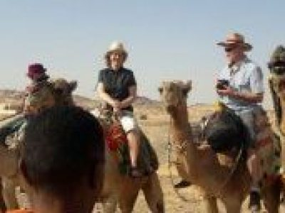 WüstenSafari mit Jeep ab El Gouna  Kamel reiten  Beduinen Abendessen