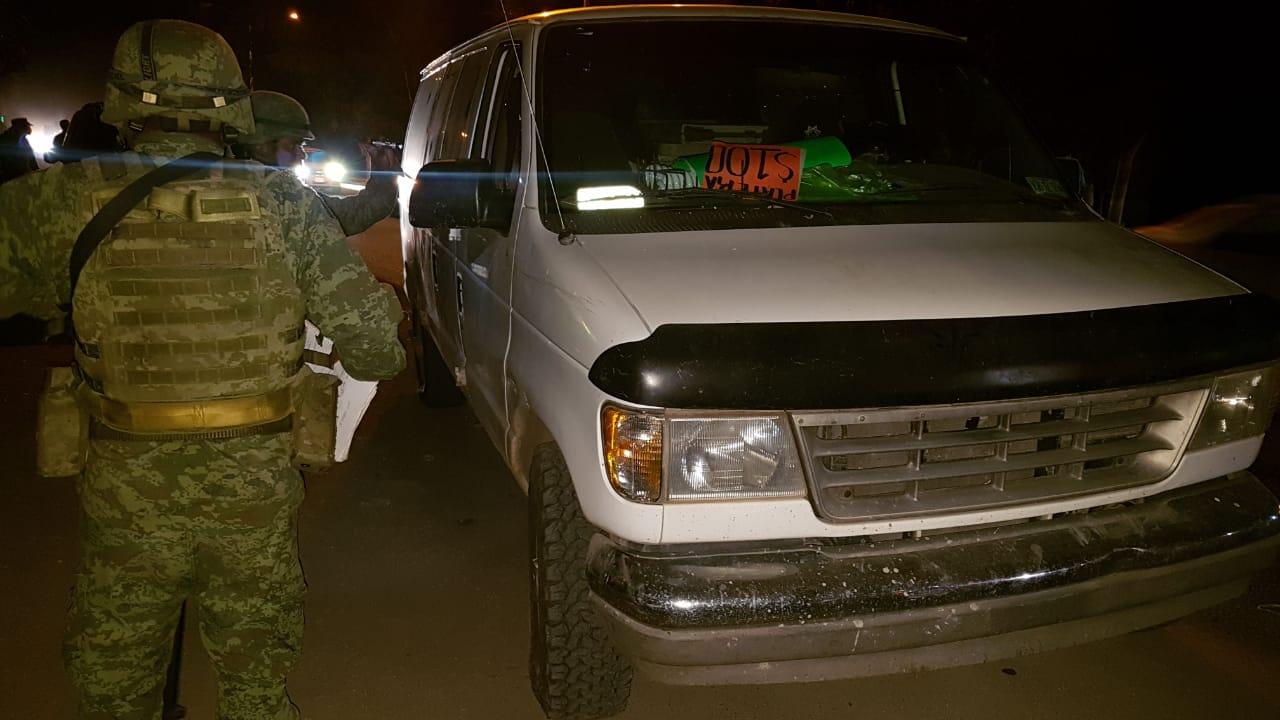Detienen a dos por portación de arma de fuego en Culiacán
