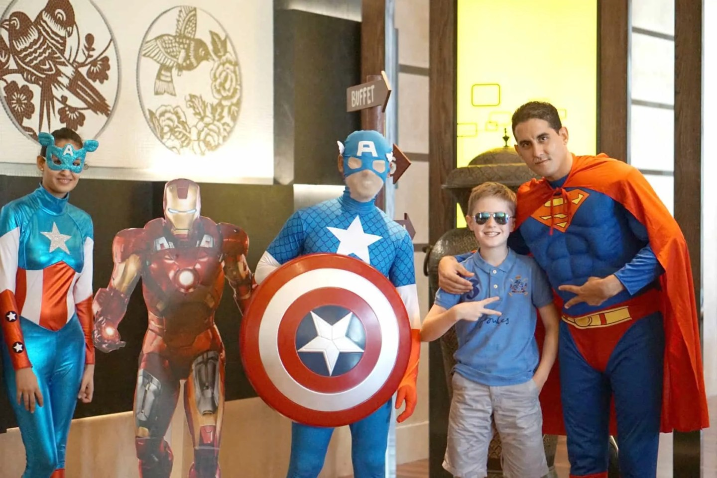 A postcard from Dubai Day 2, Superhero Brunch And Skiing