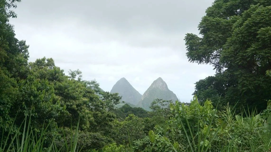 View of the Pitons in St Lucia www.extraordinarychaos.com and 6 Things You Must do When Visiting St Lucia
