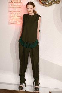 aw-2016_mercedes-benz-fashion-week-berlin_de_0029_william-fan_62425_fashionshow_article_portrait