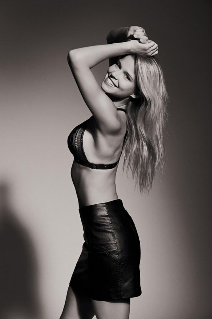Angelina Laurent noir et blanc lith