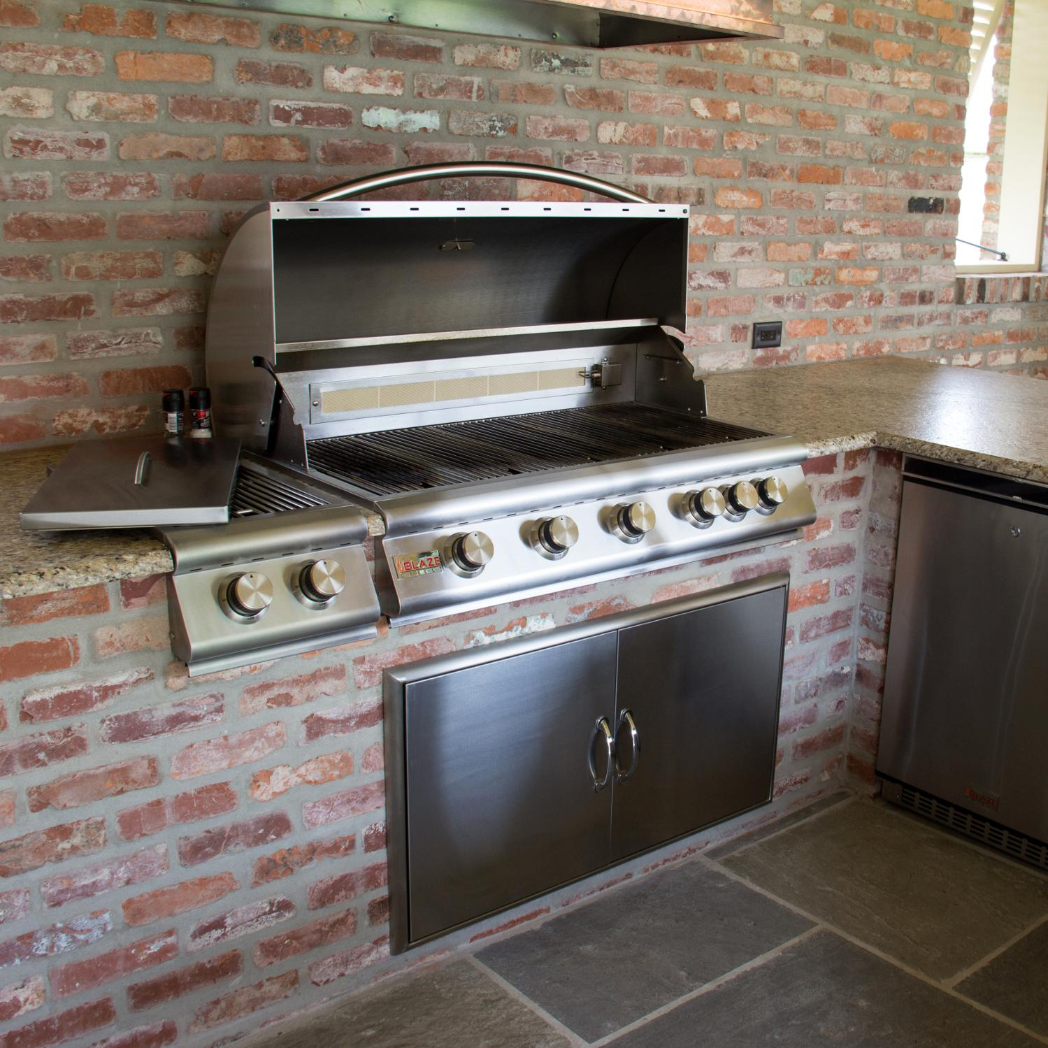 Blaze 40-Inch 5-Burner Built-In Natural Gas Grill With ... on Built In Grill Backyard id=41465