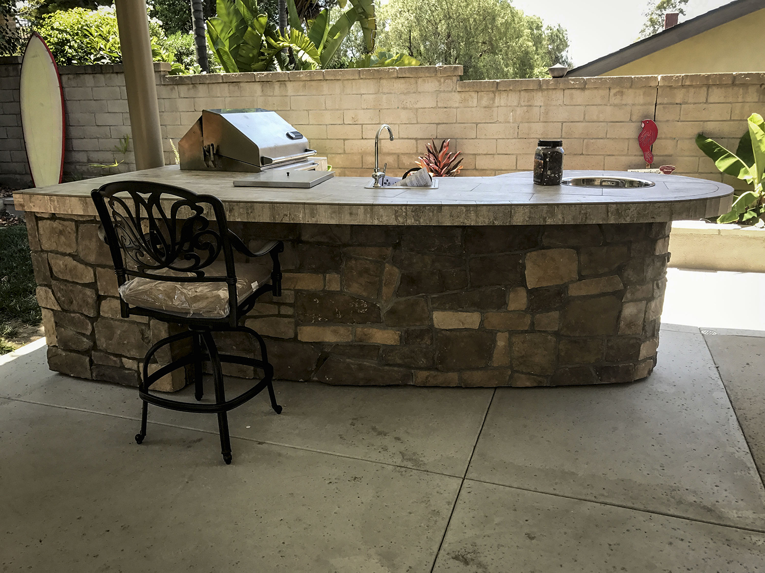 Custom Outdoor Kitchen with Rock - Extreme Backyard Designs on Custom Backyard Designs id=16024