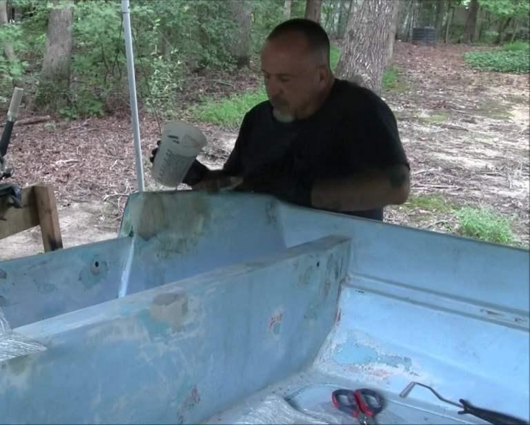 Applying Epoxy To Fiberglass Repair