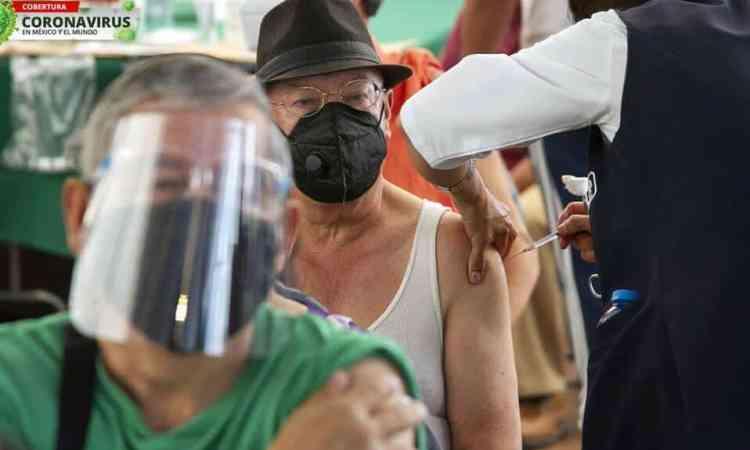 Va México rumbo a las 212 mil muertes por covid-19; casi 2 millones 300 mil casos