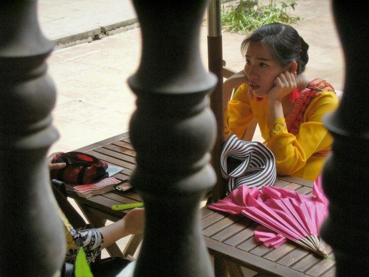 Mujer con ropa tradicional