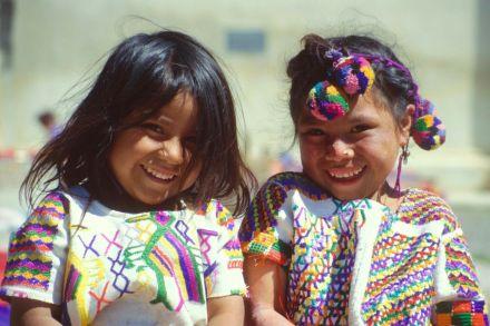Niñas en Antigua, Guatemala