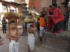 Oferentes, Bhaktapur, Nepal