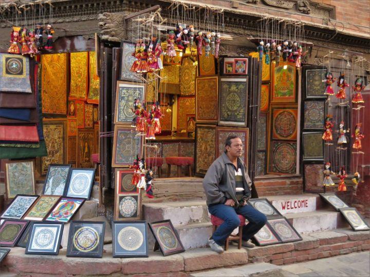 Tienda de cuadros en Plaza Durbar Square, Katmandú, Nepal