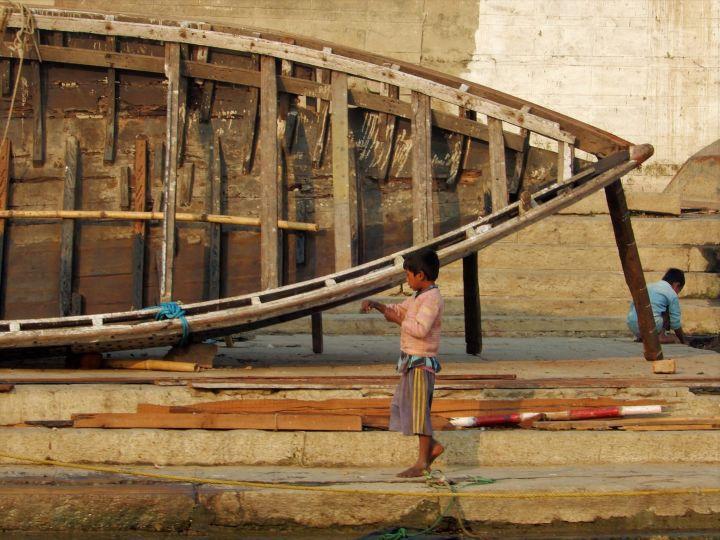 Astillero de barcas, Benarés, Varanasi, India